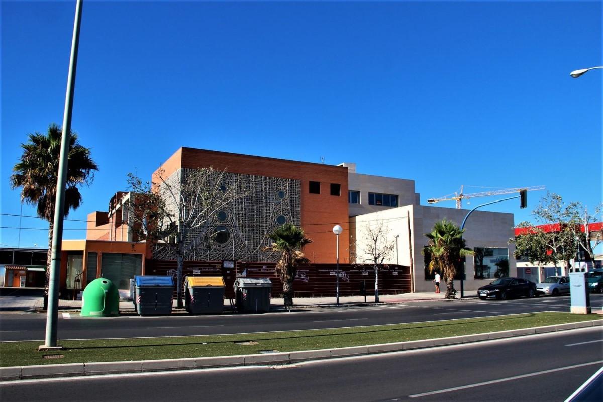 Edificio Dotacional en Venta en Benalua-La Florida-Babel-San Gabriel, Alicante/Alacant