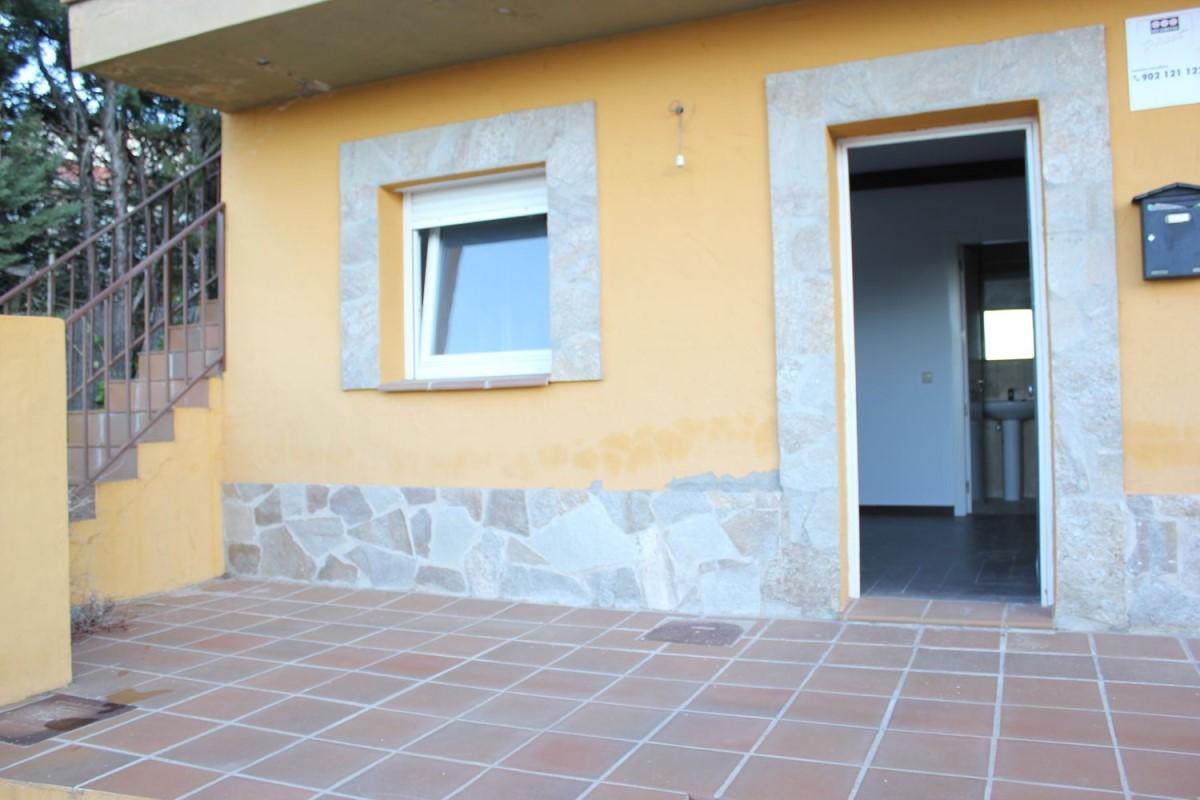 Apartment  For Sale in  Santa María de la Alameda
