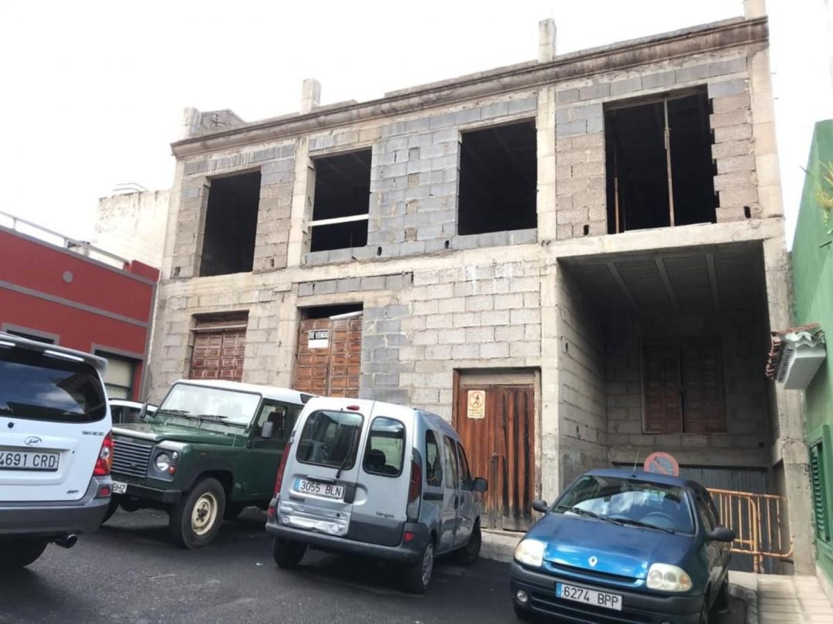 Edificio de Viviendas en Venta en  Orotava, La