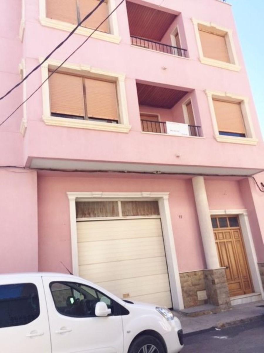 Edificio de Viviendas en Venta en  Bigastro