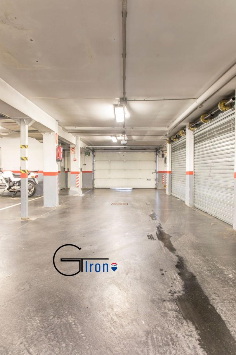 Garaje en Venta en Algorta, Getxo