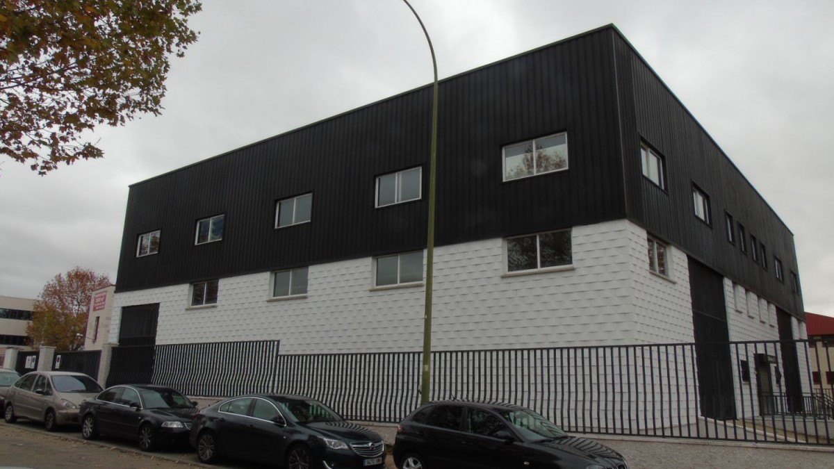 Industrial premises  For Rent in  Móstoles