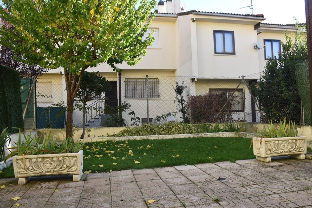 Terraced House  For Sale in  Navalafuente