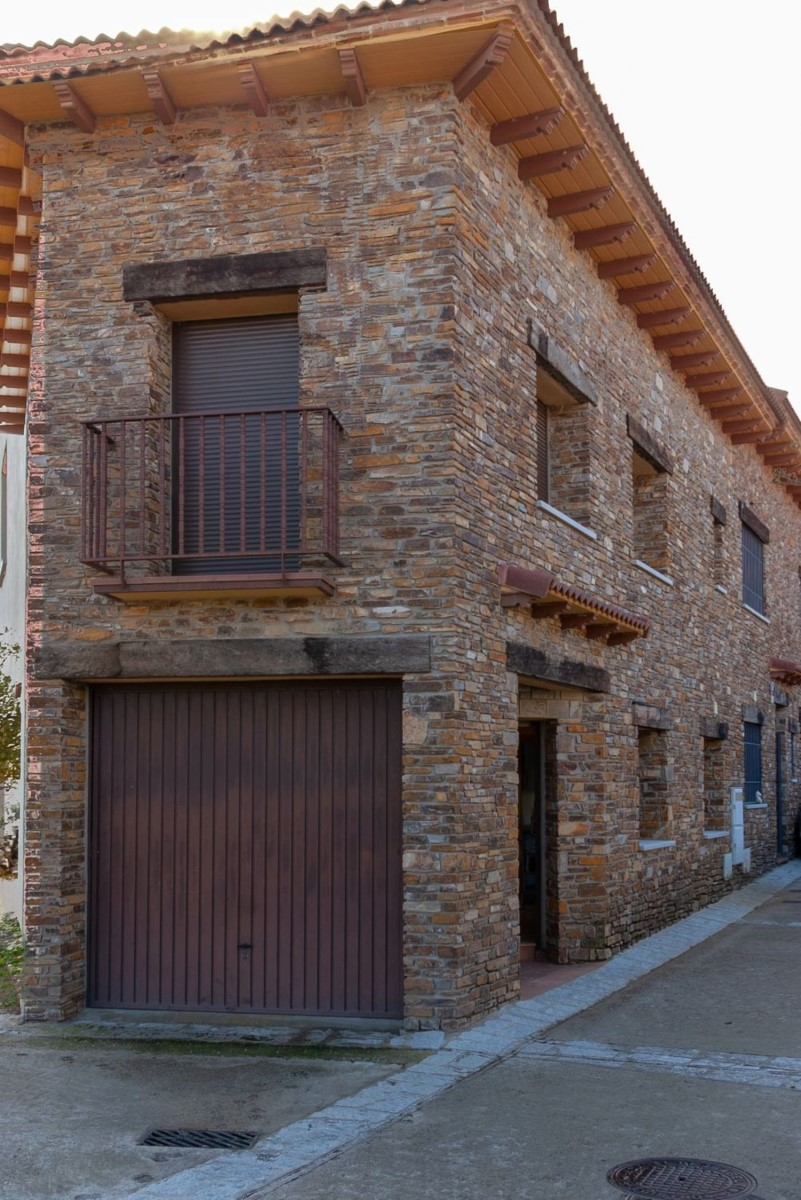Terraced House  For Sale in  Lozoyuela-Navas-Sieteiglesias