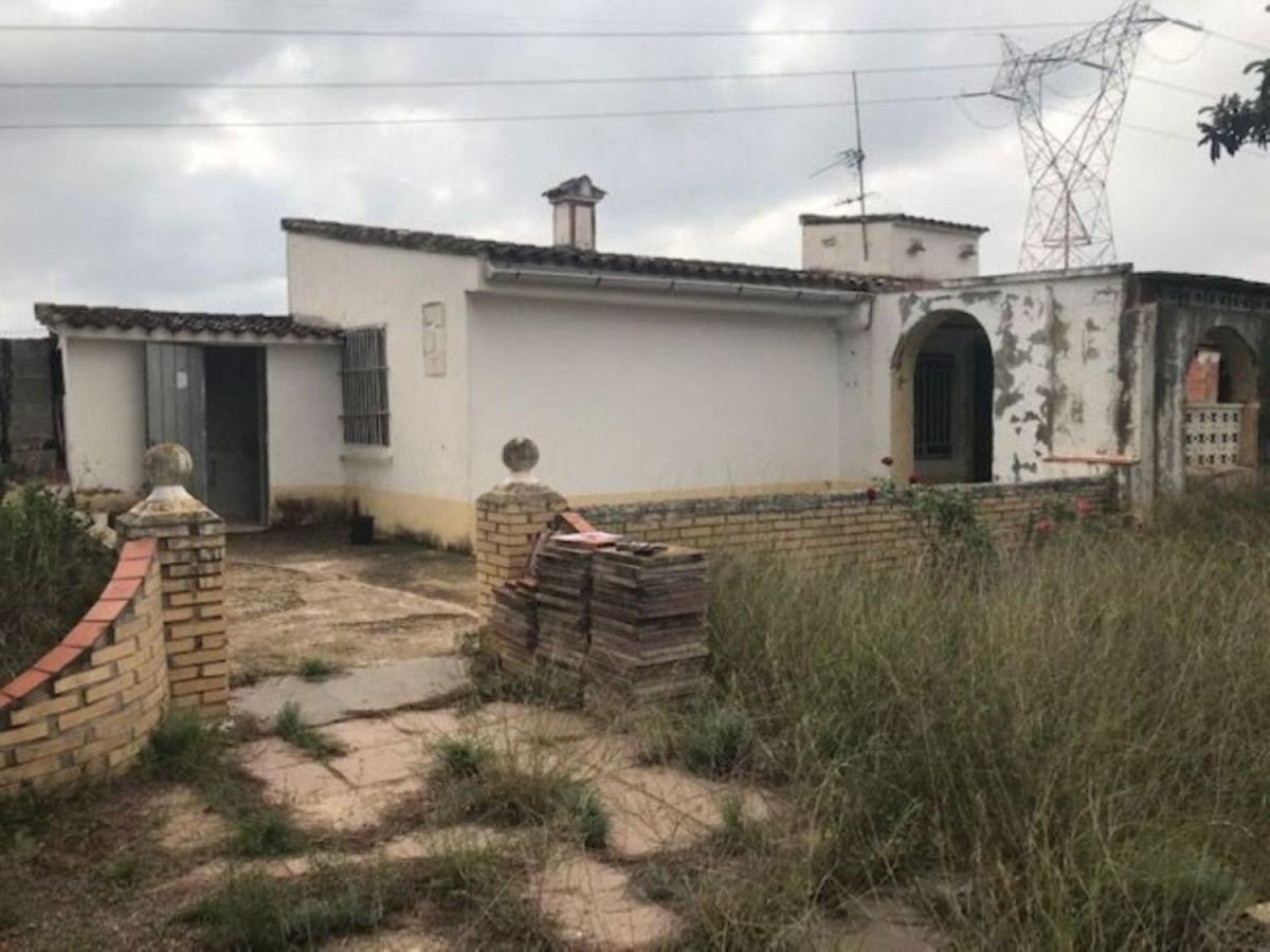 Chalet en Venta en  Chiva