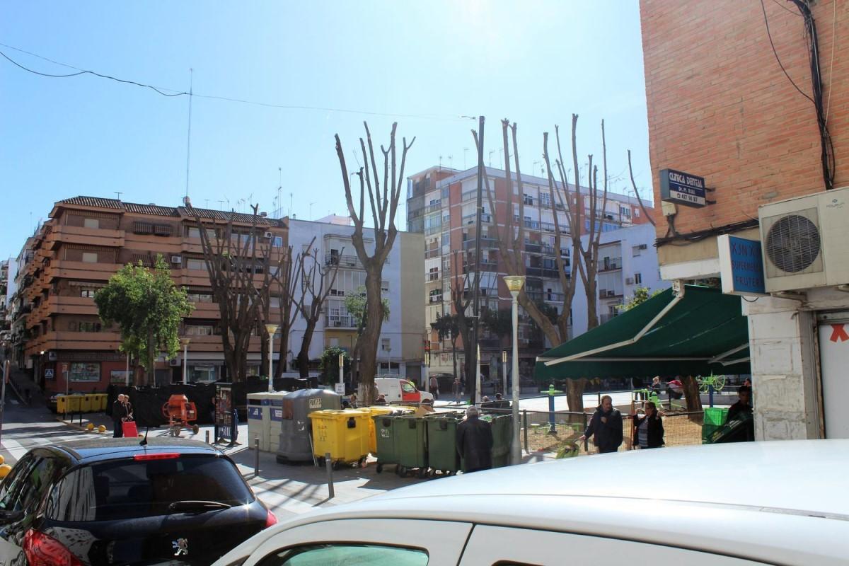 Local Comercial en Alquiler en  San Juan de Aznalfarache