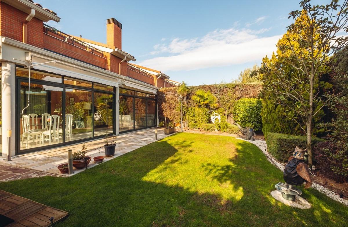 Terraced House  For Sale in  la moraleja