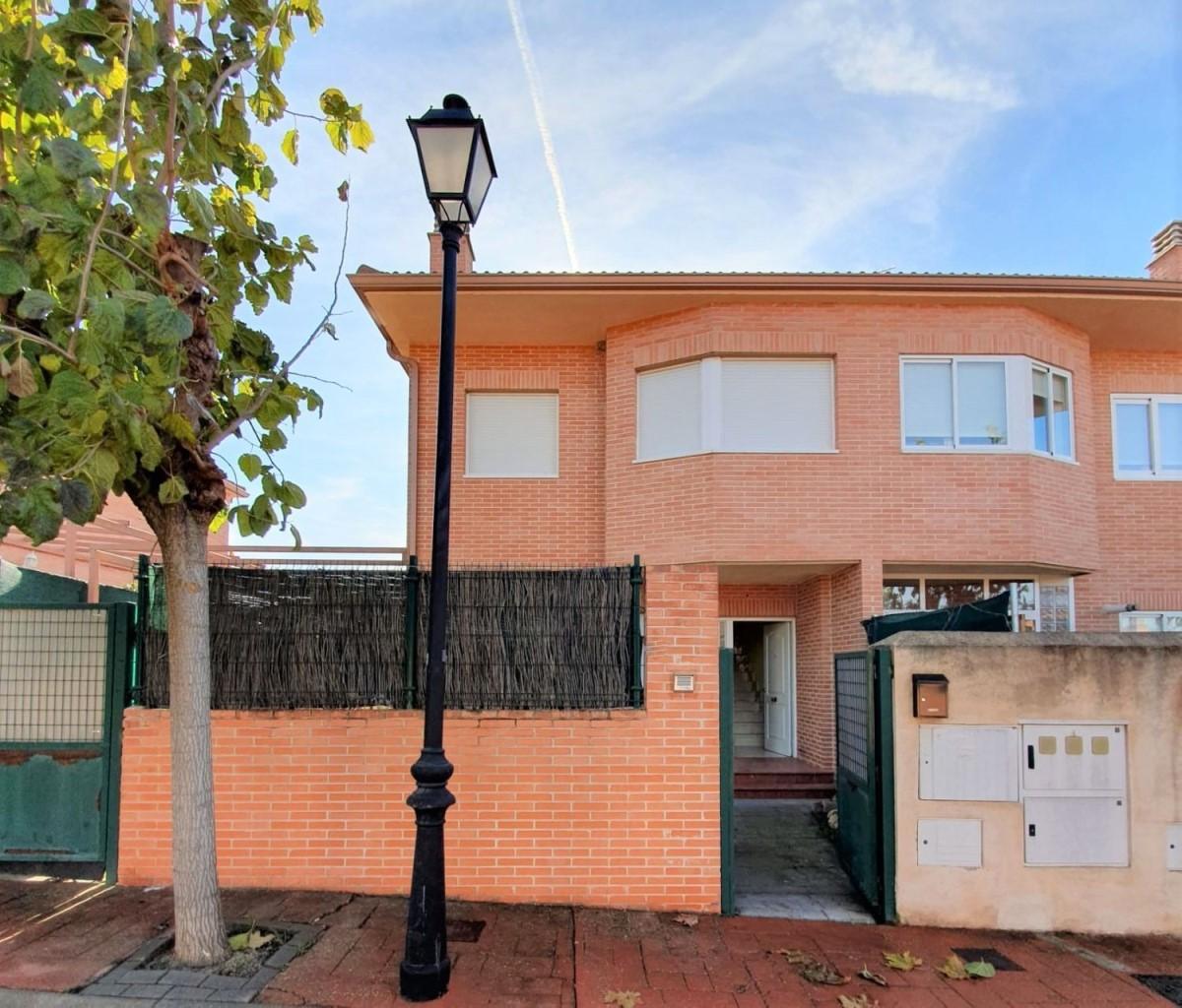Terraced House  For Sale in  Pozuelo del Rey