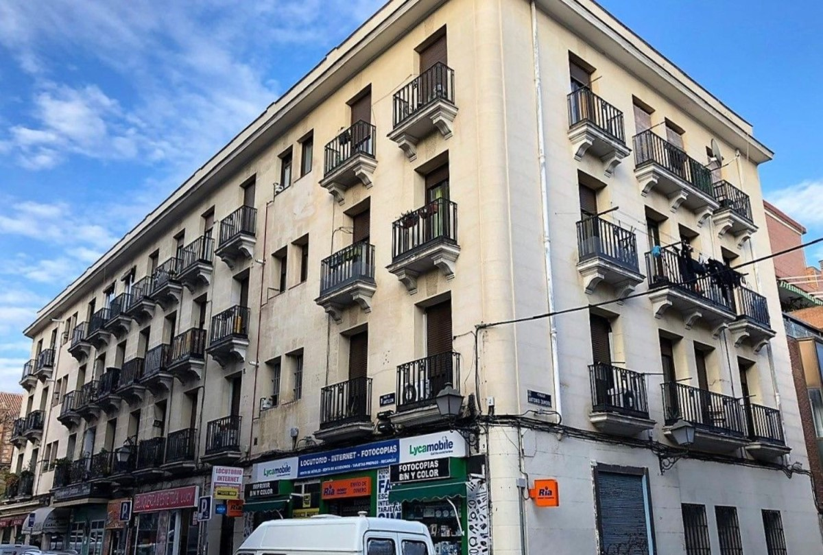 Edificio Mixto en Venta en Latina, Madrid