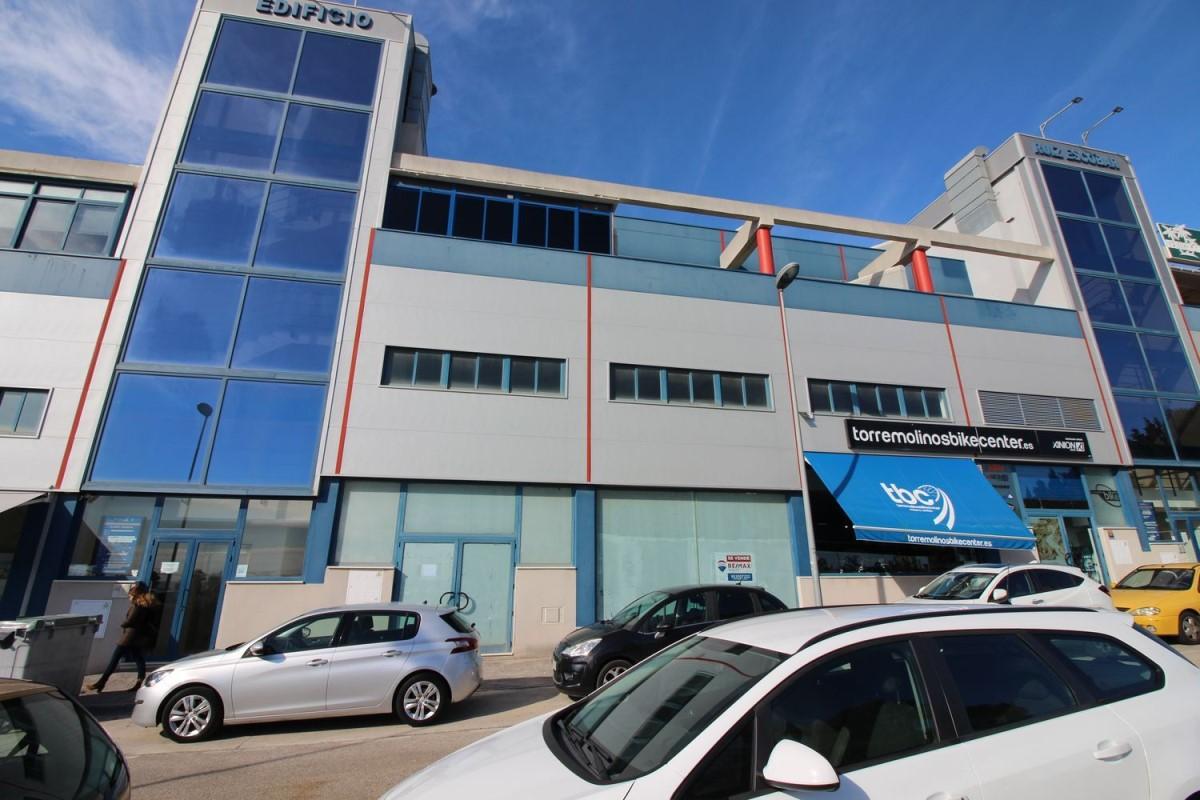 Nave Industrial en Venta en  Torremolinos