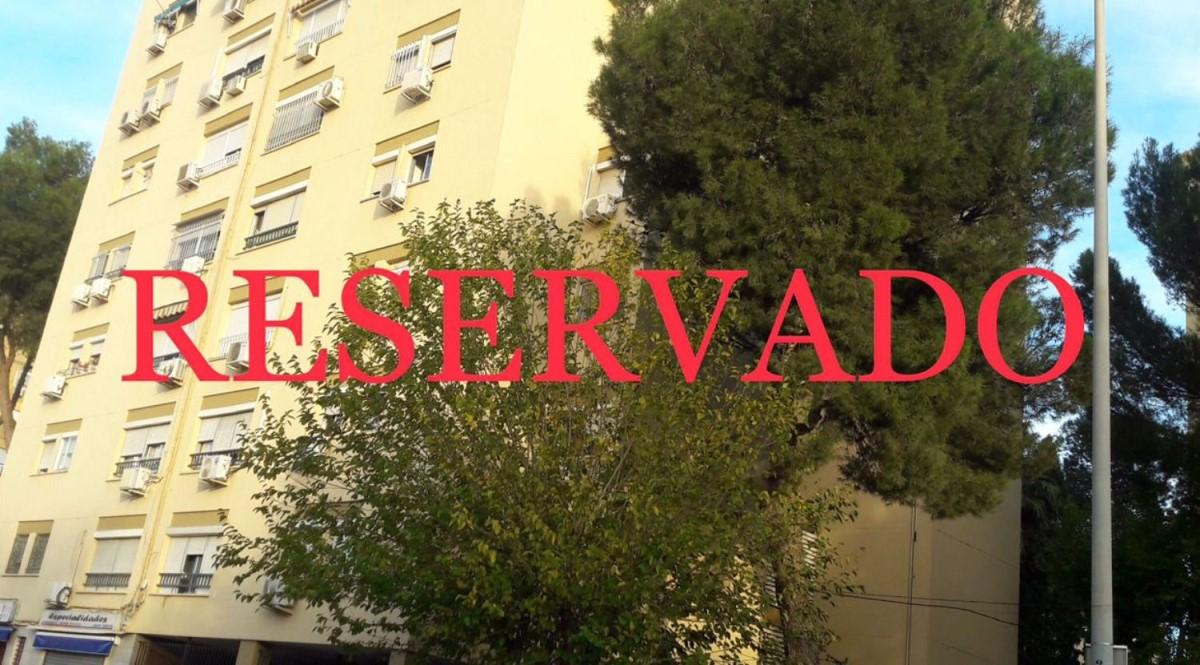 Piso en Venta en pino montano, Sevilla
