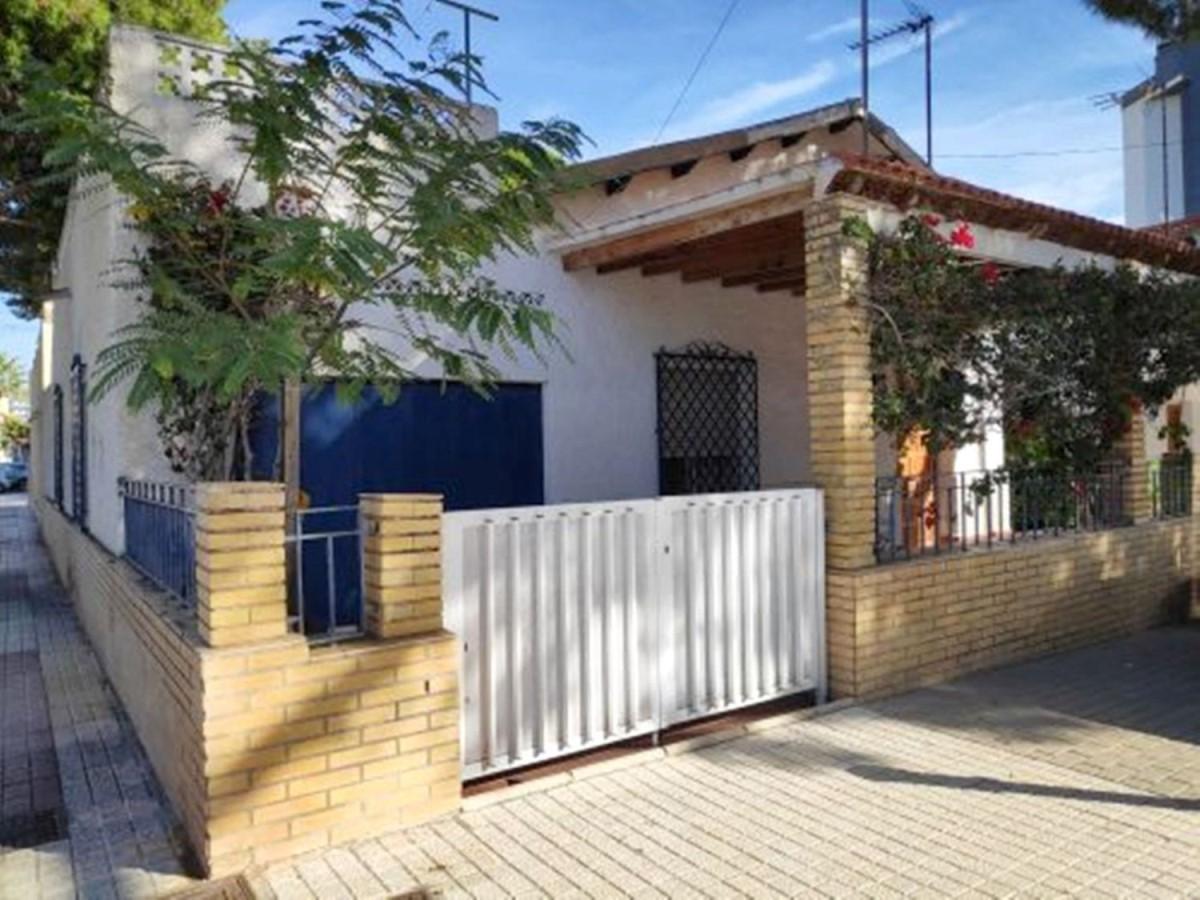 Chalet Adosado en Venta en  Campello, El