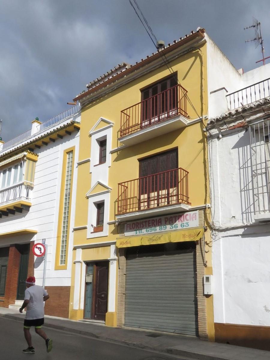 Edificio de Viviendas en Venta en  Vélez-Malaga