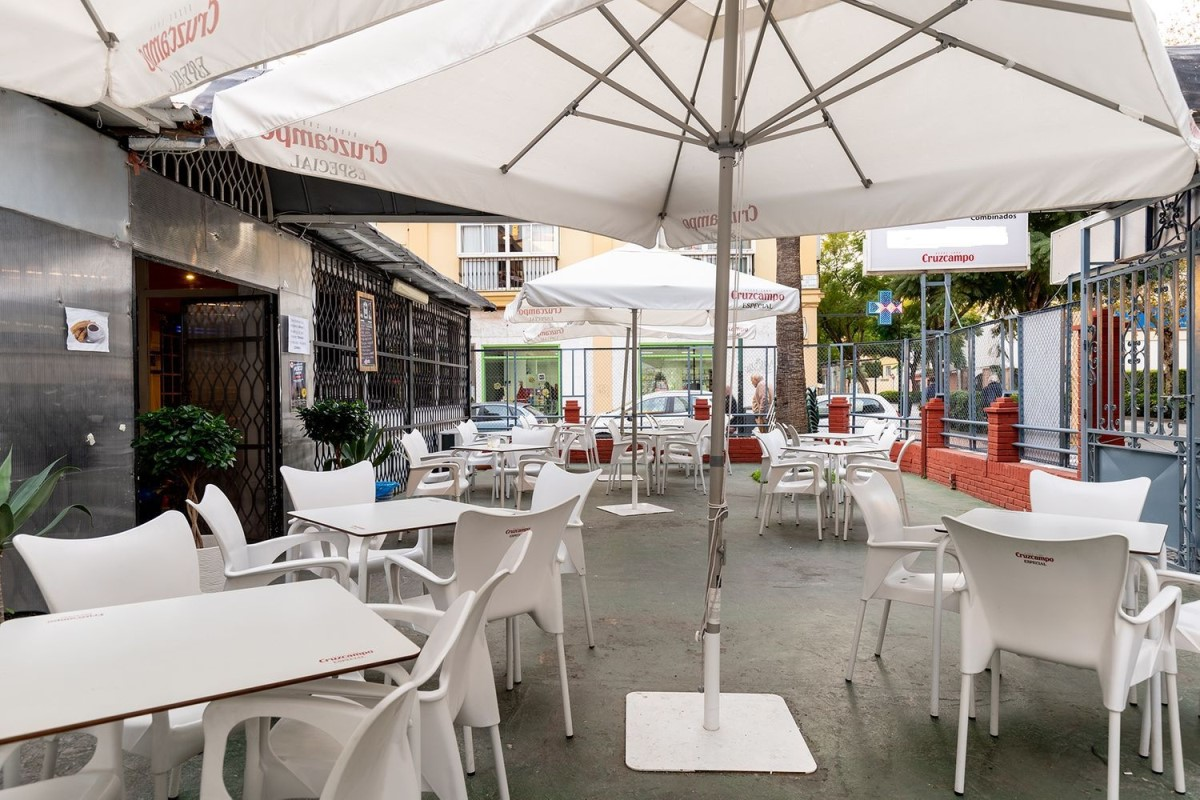 Local Comercial en Alquiler en Este, Málaga