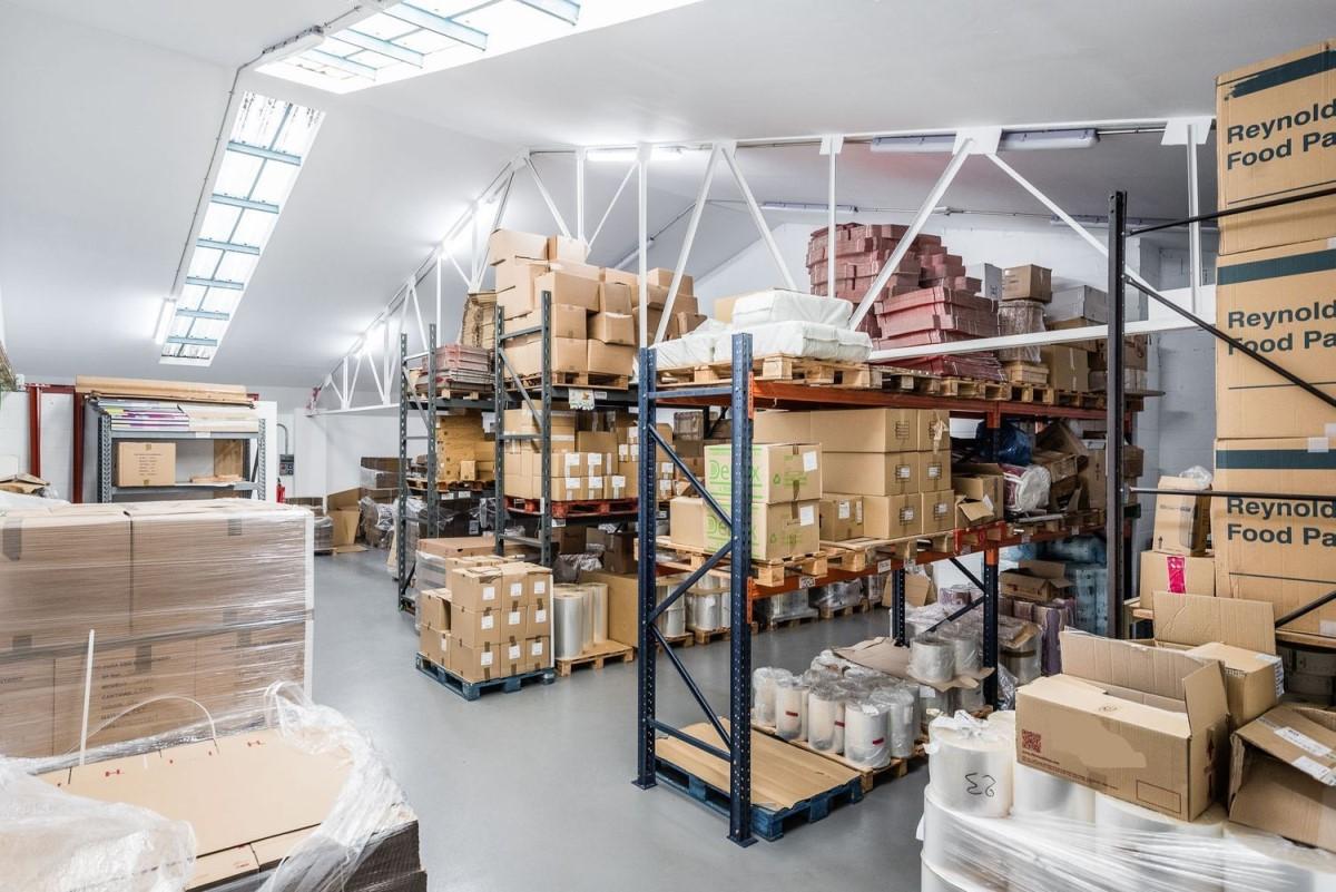 Nave Industrial en Alquiler en  Fuenlabrada