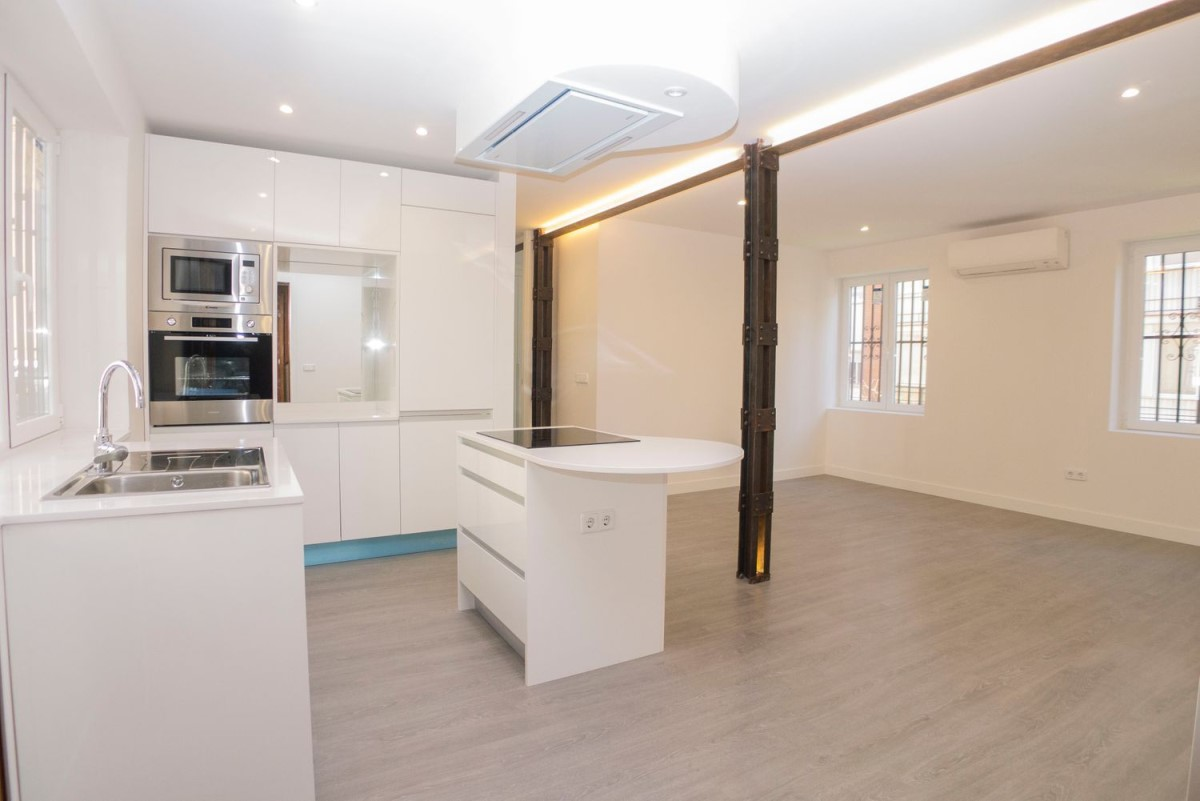 Apartment  For Rent in Chamartín, Madrid