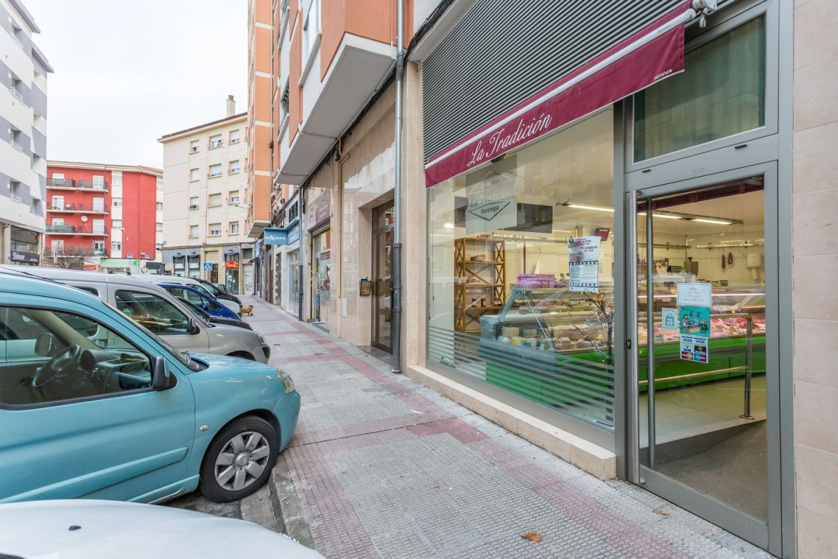 Retail premises  For Sale in  Ansoain