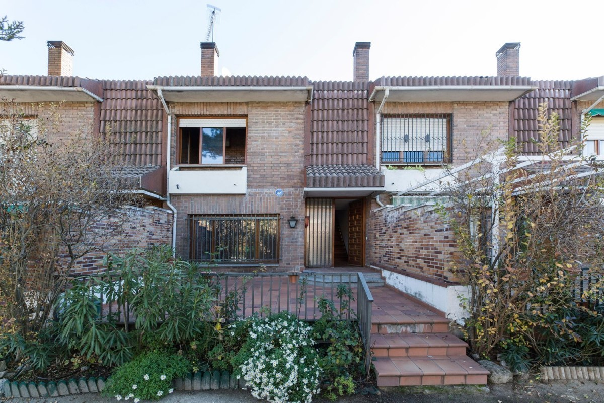Terraced House  For Sale in  Torrelodones