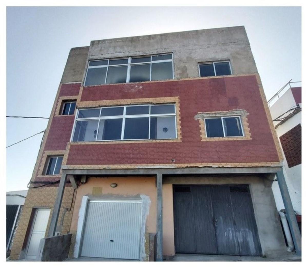 Edificio de Viviendas en Venta en  Vega de San Mateo