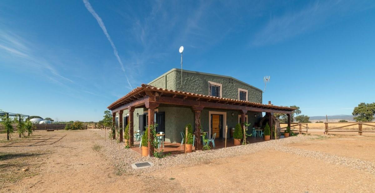 Casa Rural en Venta en  Hormigos