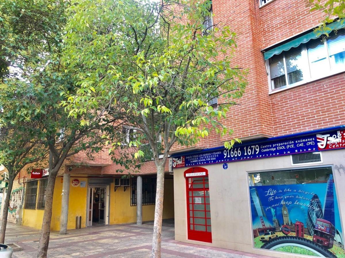 Local Comercial en Alquiler en  Mejorada del Campo