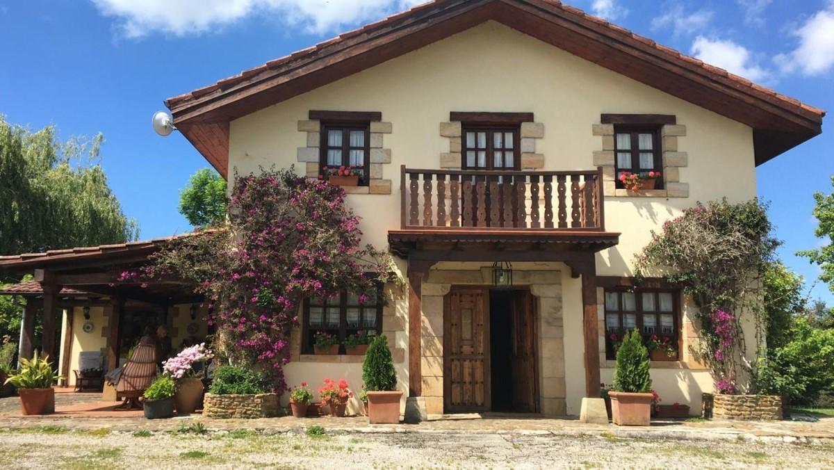 Casa Rural en Venta en  Riotuerto