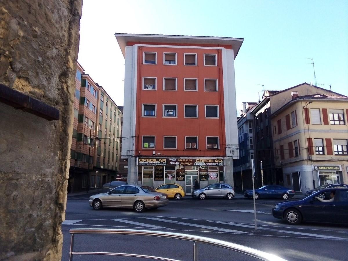 Edificio de Viviendas en Venta en  Langreo