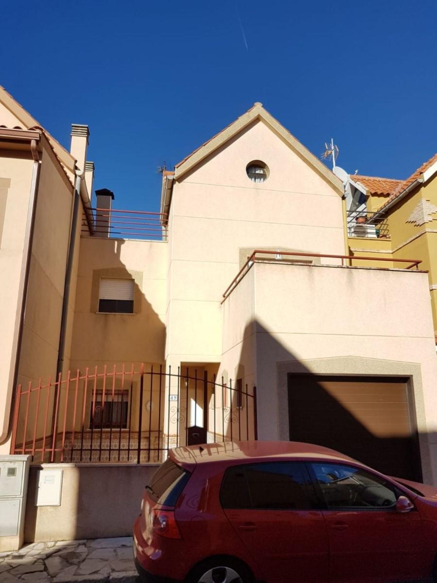 Terraced House  For Sale in  Colmenar de Oreja