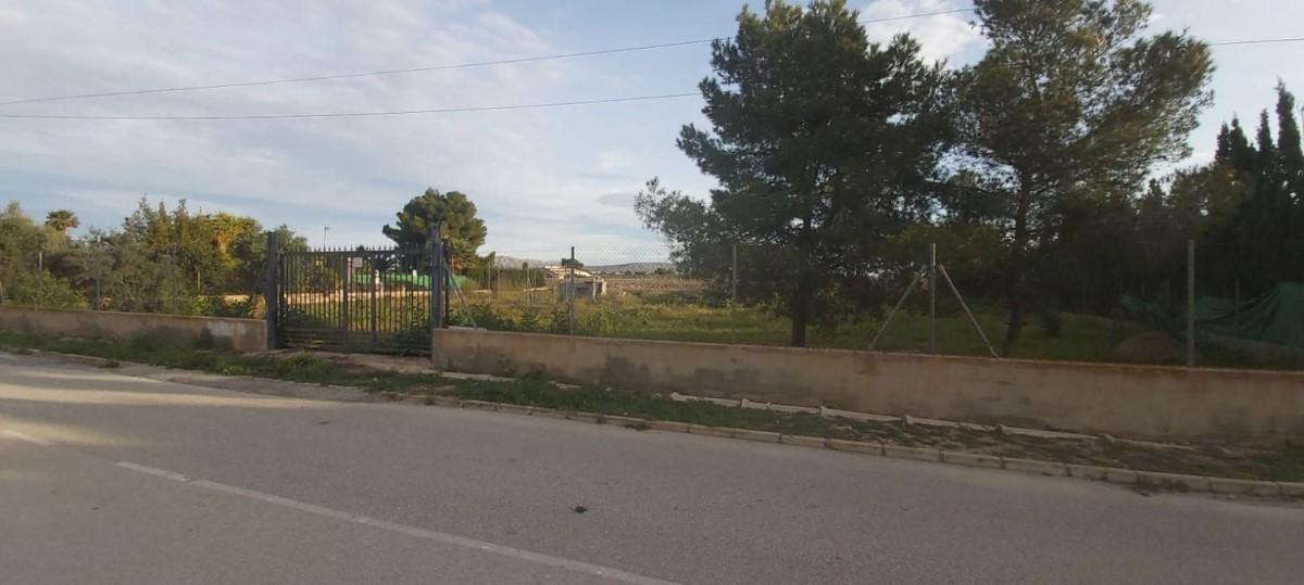 Urban lot  For Sale in  Elche/Elx