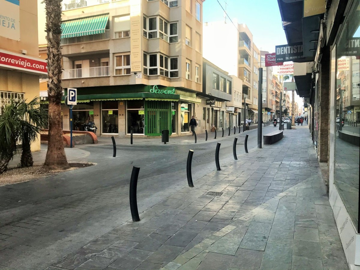 Local Comercial en Alquiler en Centro, Torrevieja