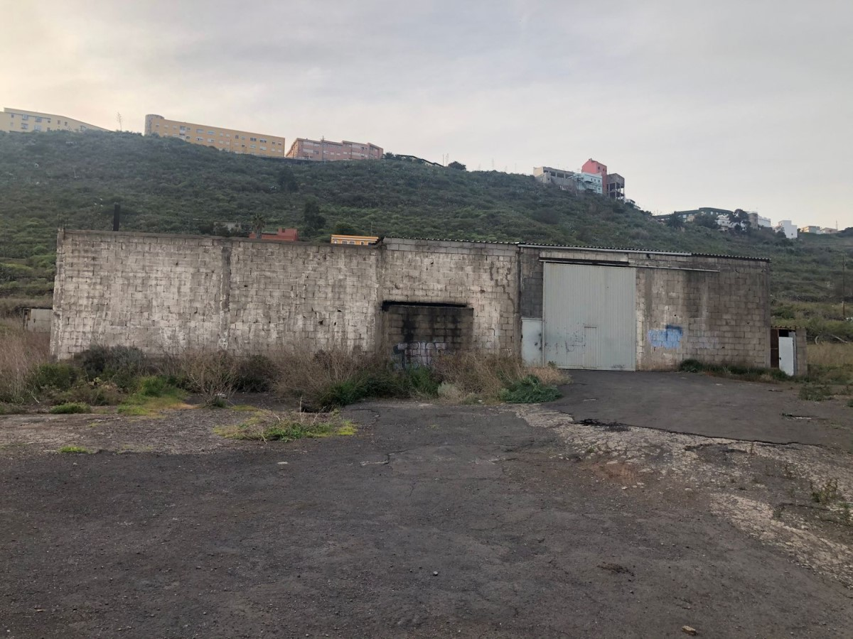 Nave Industrial en Alquiler en  San Cristóbal de La Laguna