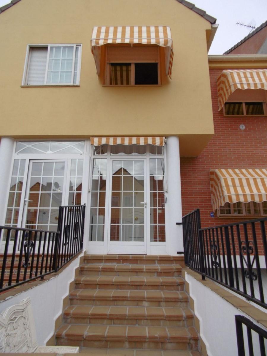 Terraced House  For Sale in  Villalbilla