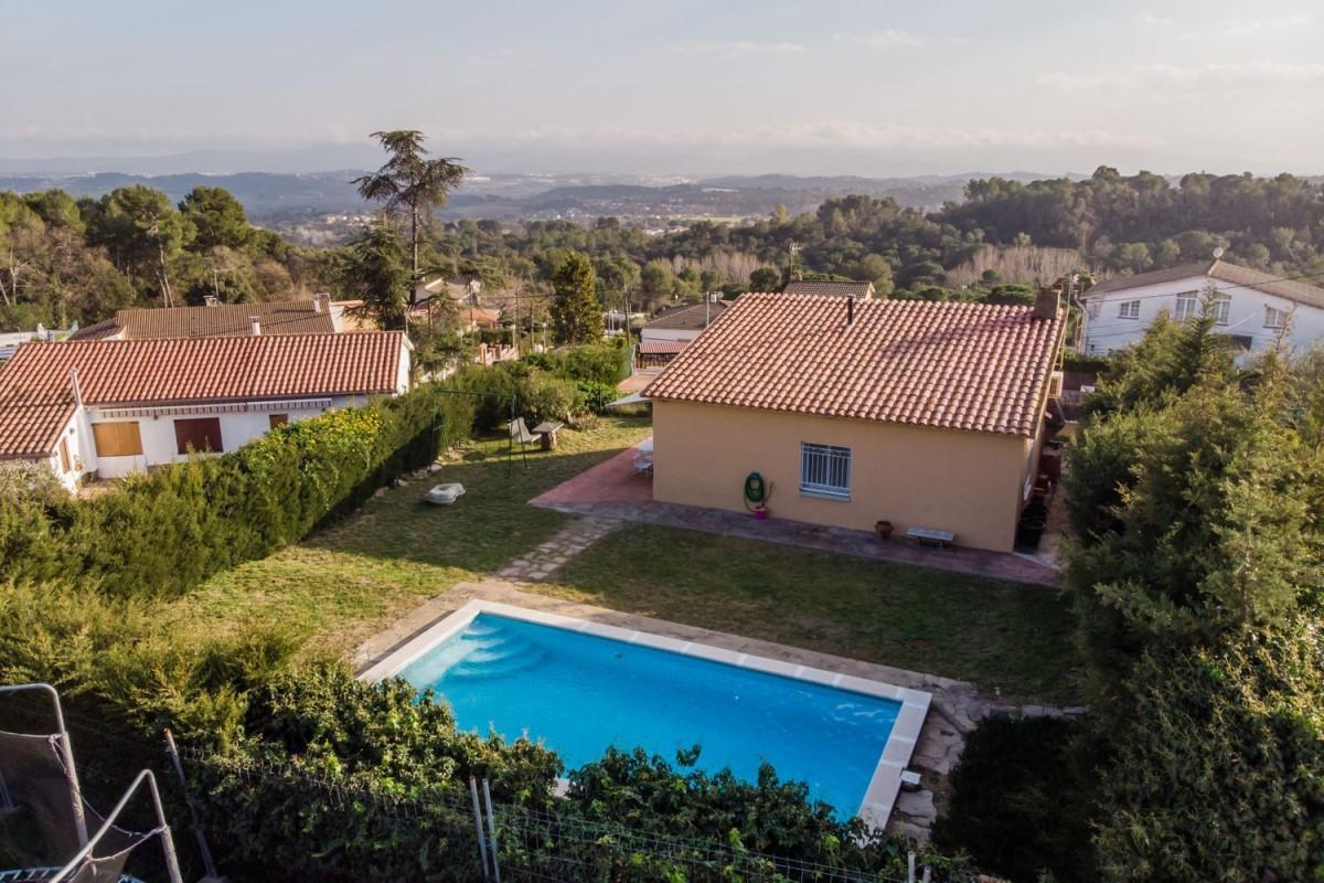 House  For Sale in  Santa Eulàlia de Ronçana