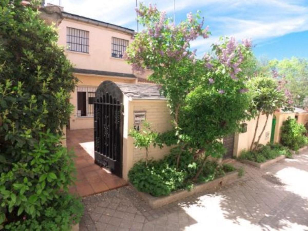 Chalet Adosado en Alquiler en Fuencarral, Madrid