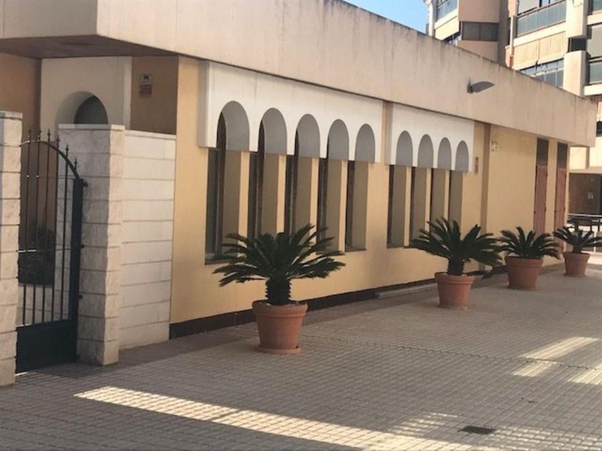 Retail premises  For Sale in Plà Del Bon Repòs-La Goleta-San Antón, Alicante/Alacant