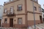 Chalet Adosado en Venta en  Alcala Del Río