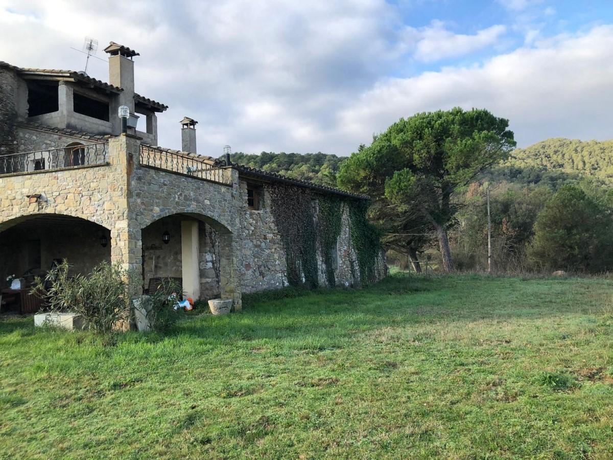 Casa Rural en Venta en  Serinyà