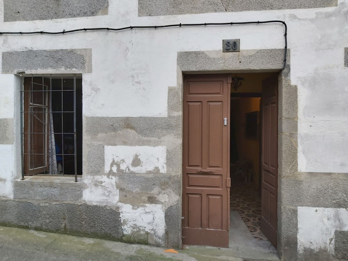 Edificio de Viviendas en Venta en  Viveiro