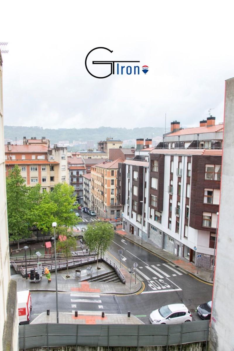 Piso en Venta en Ibaiondo, Bilbao