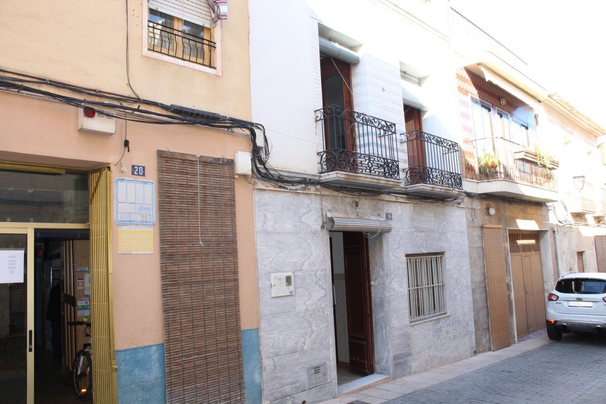Chalet Adosado en Venta en Casco Urbano, Aspe