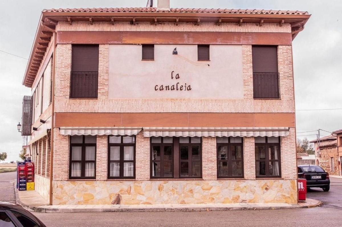 Local Comercial en Venta en  Casa de Uceda