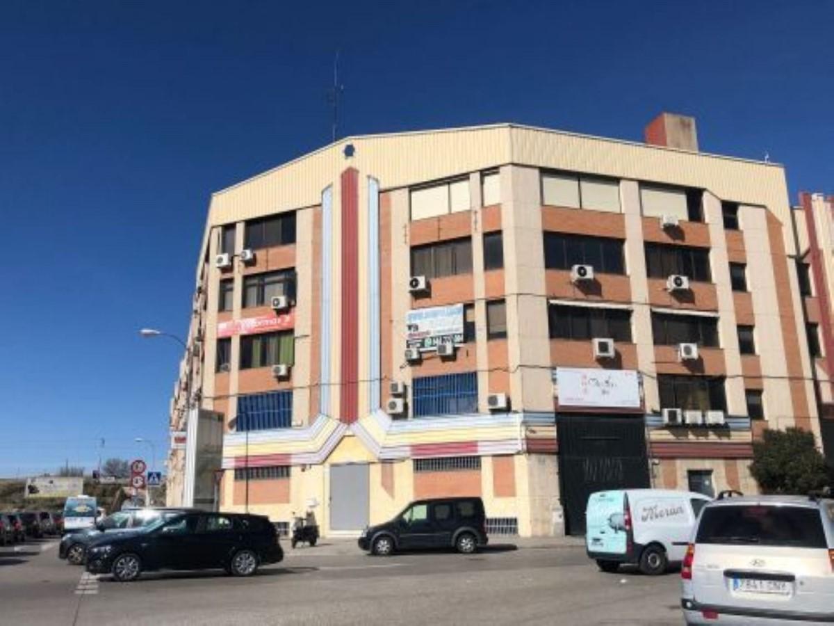 Local Comercial en Venta en Villa De Vallecas, Madrid