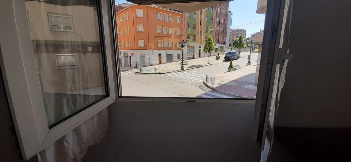 Piso en Venta en Ventanielles, Oviedo