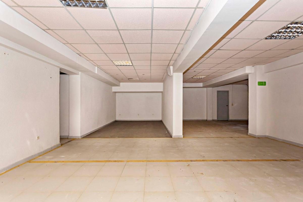 Oficina en Venta en  Almería