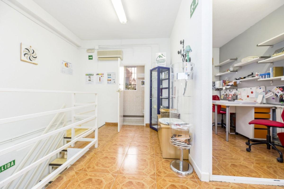 Local Comercial en Venta en Usera, Madrid
