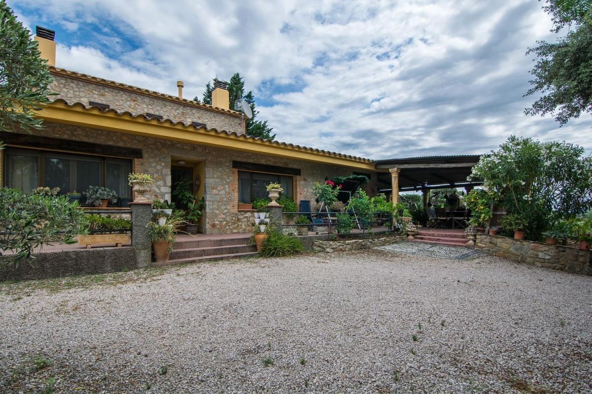 Casa Rural en Venta en  Terrades