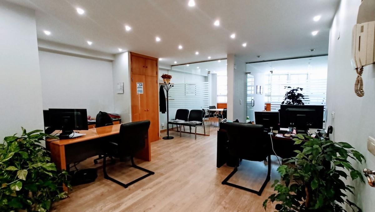 Oficina en Venta en Casco Viejo - Berbes, Vigo
