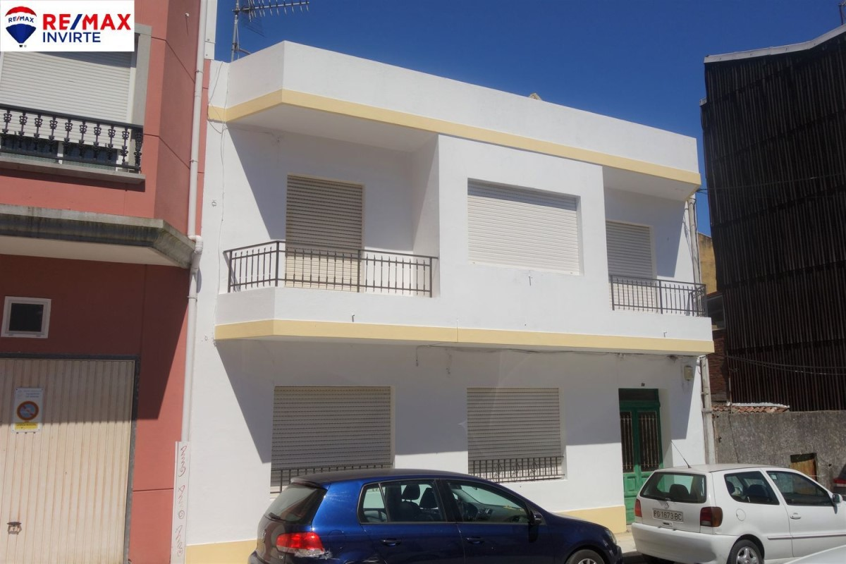 Edificio de Viviendas en Venta en  Vilagarcía de Arousa