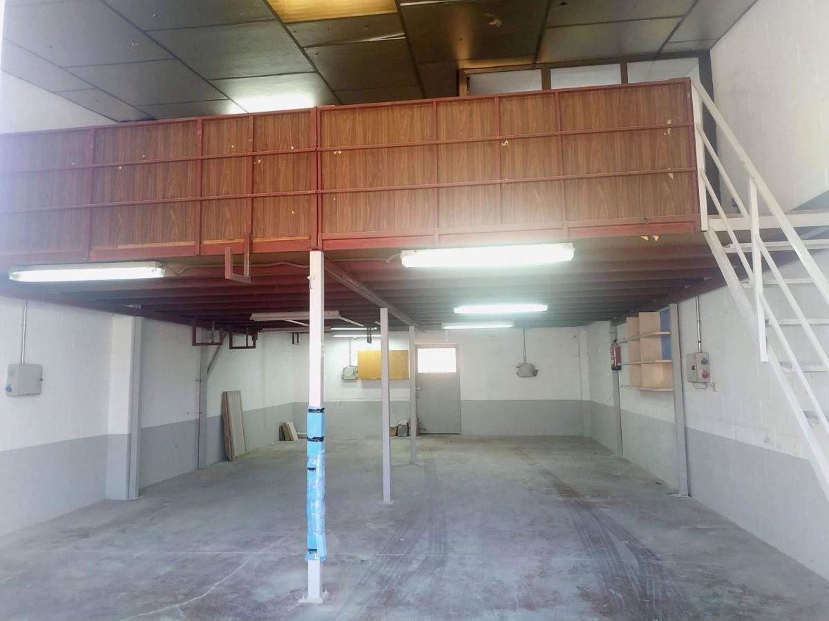 Nave Industrial en Venta en  Mejorada del Campo