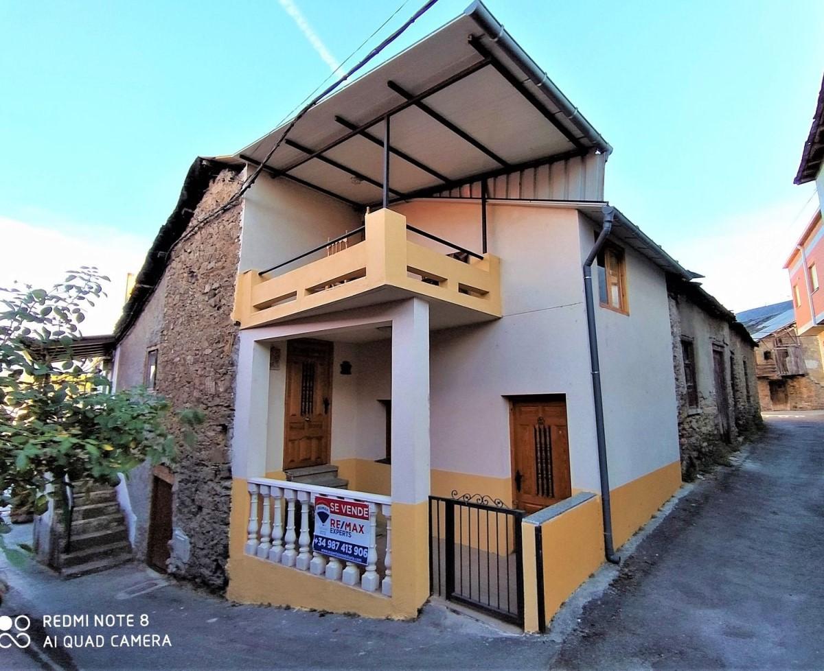 Casa Rural en Venta en  Villadecanes